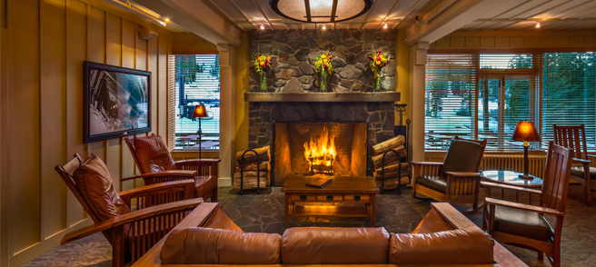 The Lodge at Sugar Bowl - Lounge with fire place